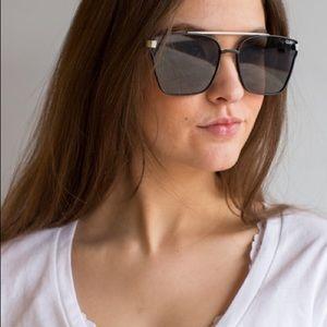 Quay Cassius sunglasses